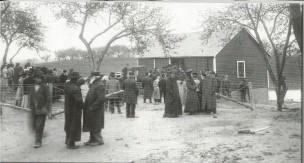 Spectators at the Gunness Farm