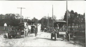 Traffic jam on McClung Rd by Gunness Farm